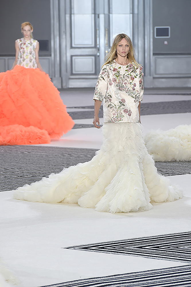 Giambattista valli haute couture 9 look 50 evelina for 50 haute couture